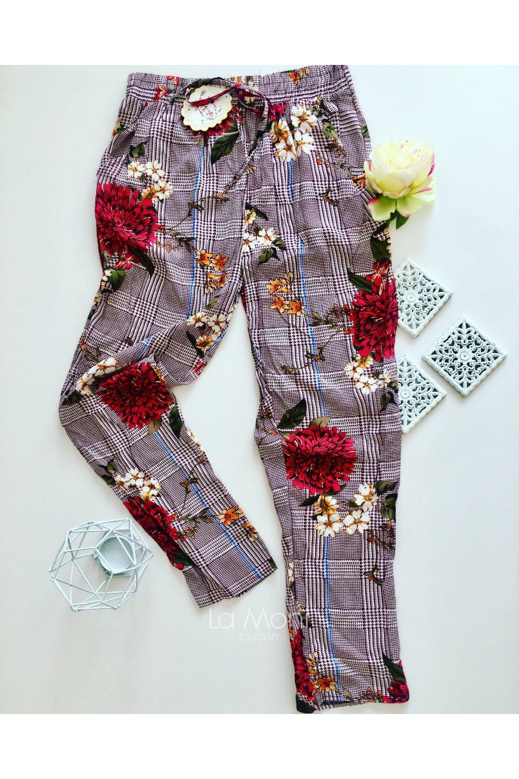 Teplákové kalhoty s květy