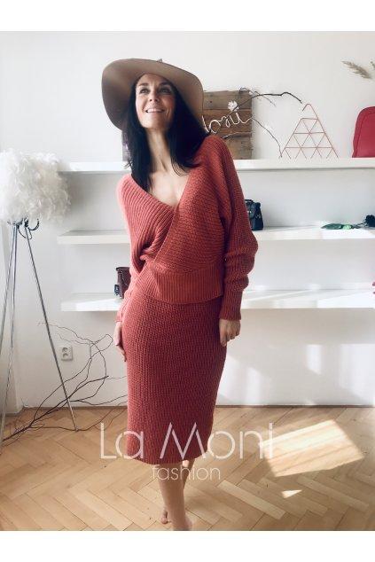Podzimní set svetřík a delší sukně