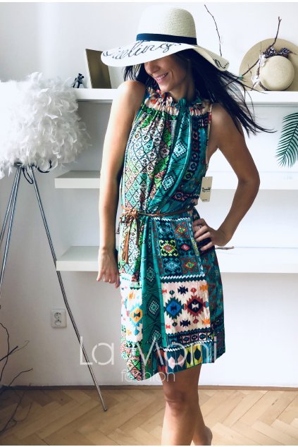 Letní šaty na stažení u krku