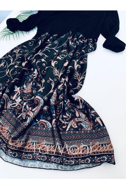 Svetříkové šaty se saténovou sukní