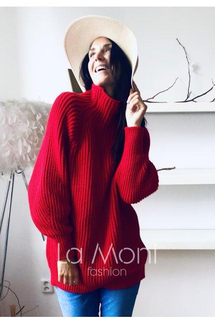 Delší svetr se stojáčkem