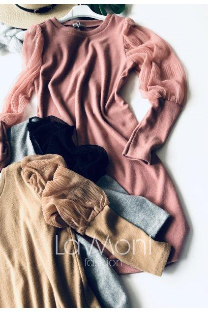 Luxusní svetříkové šaty s pruhlednými rukávy