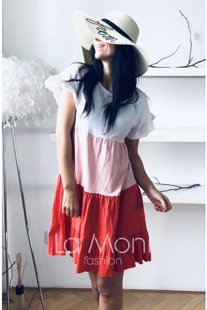 Úpletové trojbarevné cute šaty s řasením