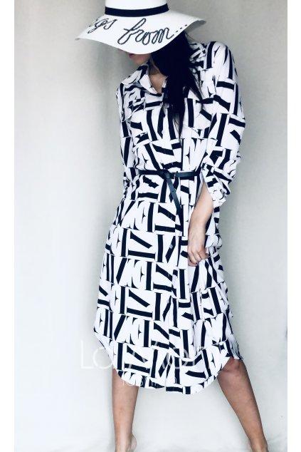 Dlouhé šaty s písmeny
