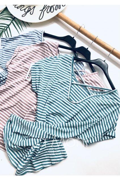 Úpletové triko s proužky a křížením