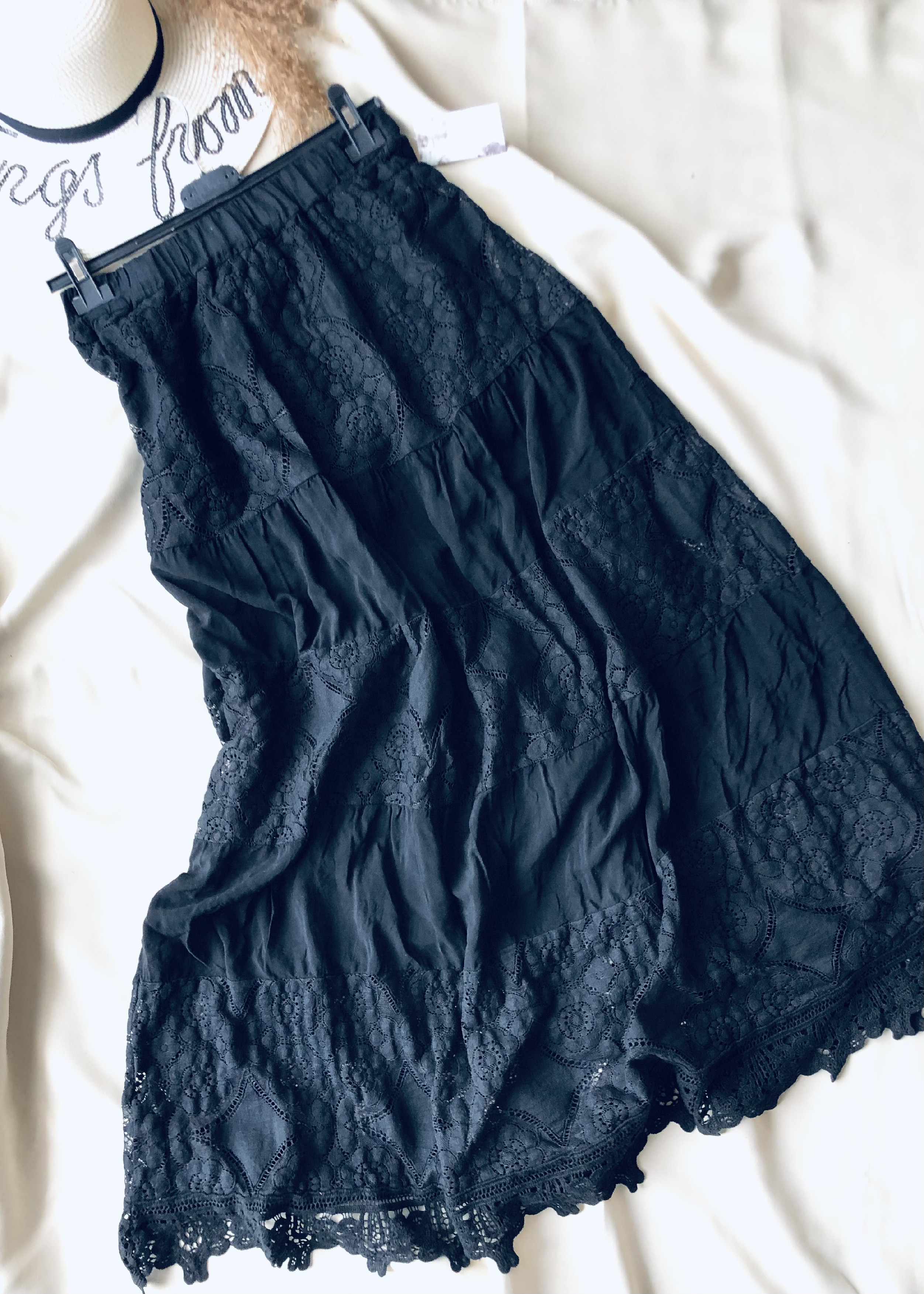 Krajková dlouhá sukně- madeira Barva: Černá, Velikost: M/L