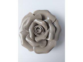Něžná keramická růže