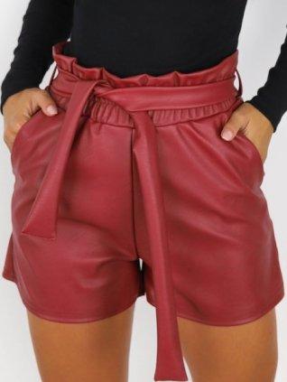 Krátke nohavice s opaskom eko koža