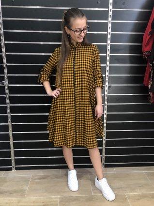 Horčicové kárované šaty