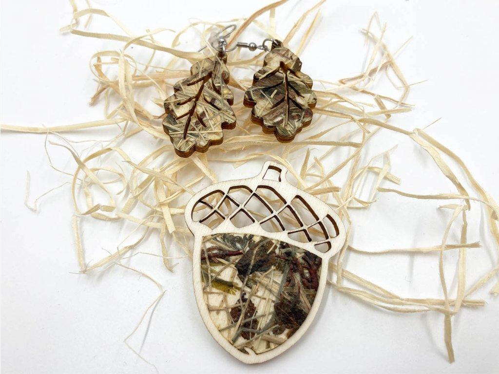 drevena brosna-zalud-brosna-organoid-nausnice-drevene nausnice
