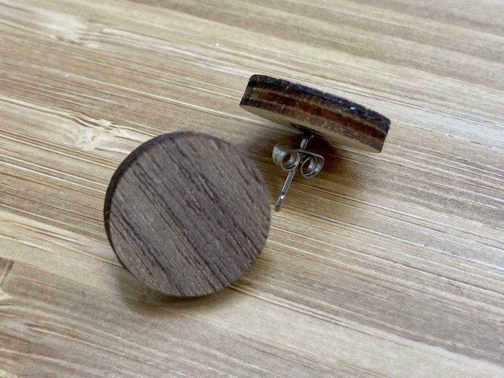 naucnice woman-drevene nausnice-drevo-dyha