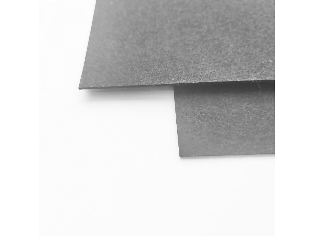4020 100 polyesterova plst cerna