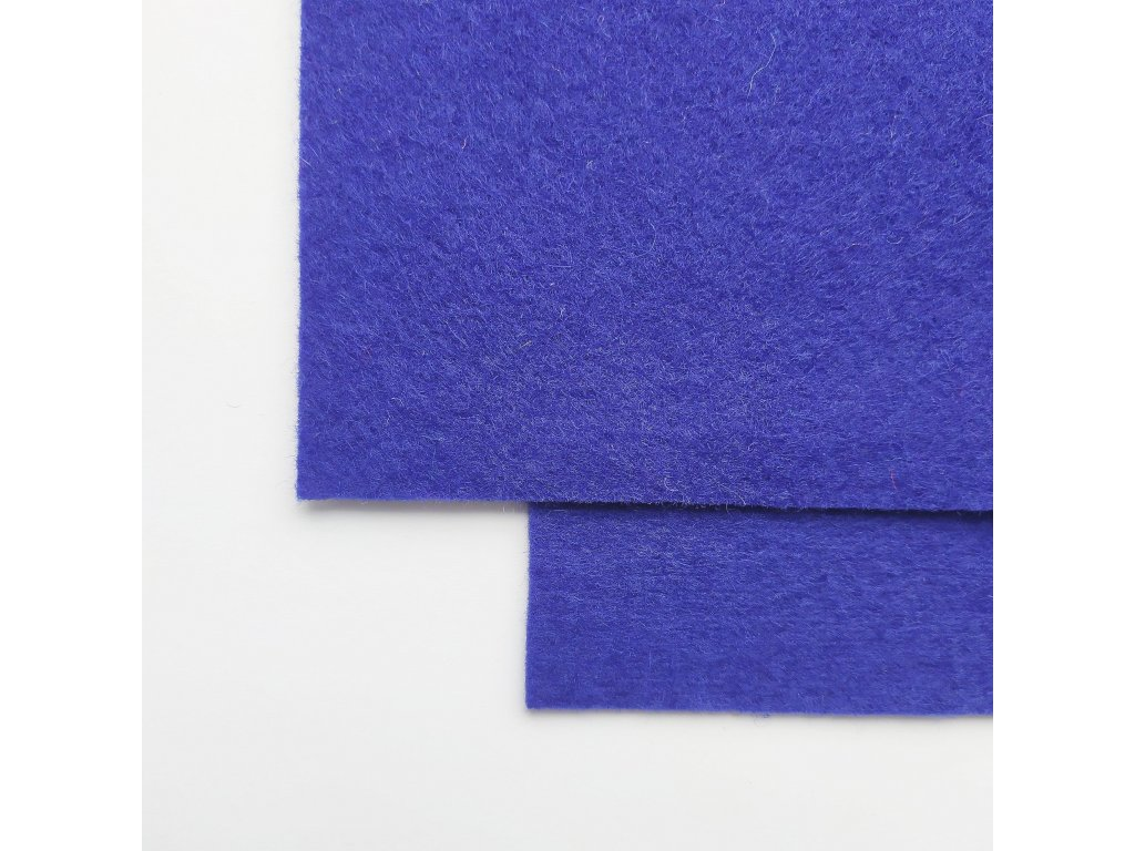 100vlnena plst kralovska modra