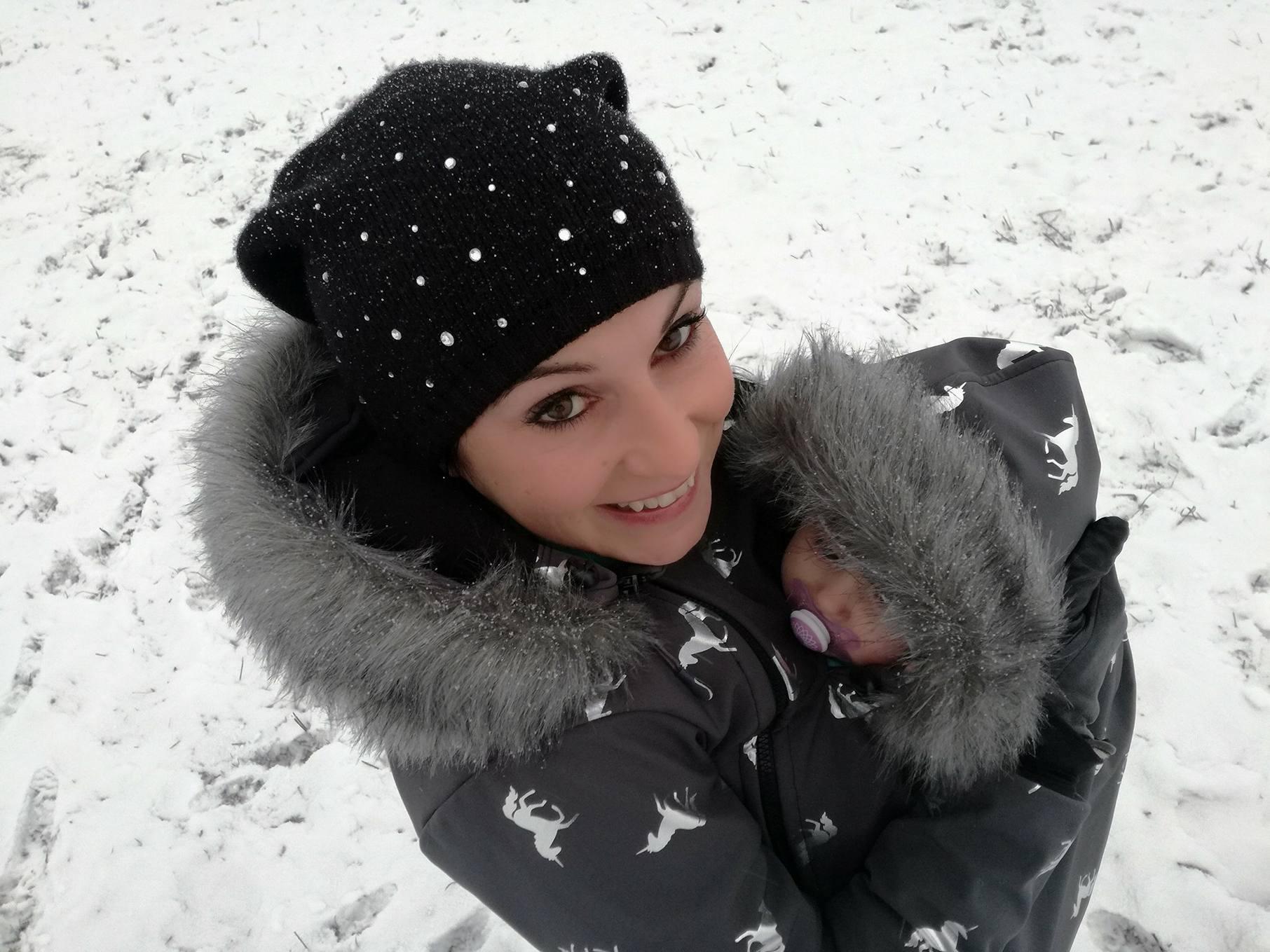 Jak nosit dítě v zimě a nezmrznout