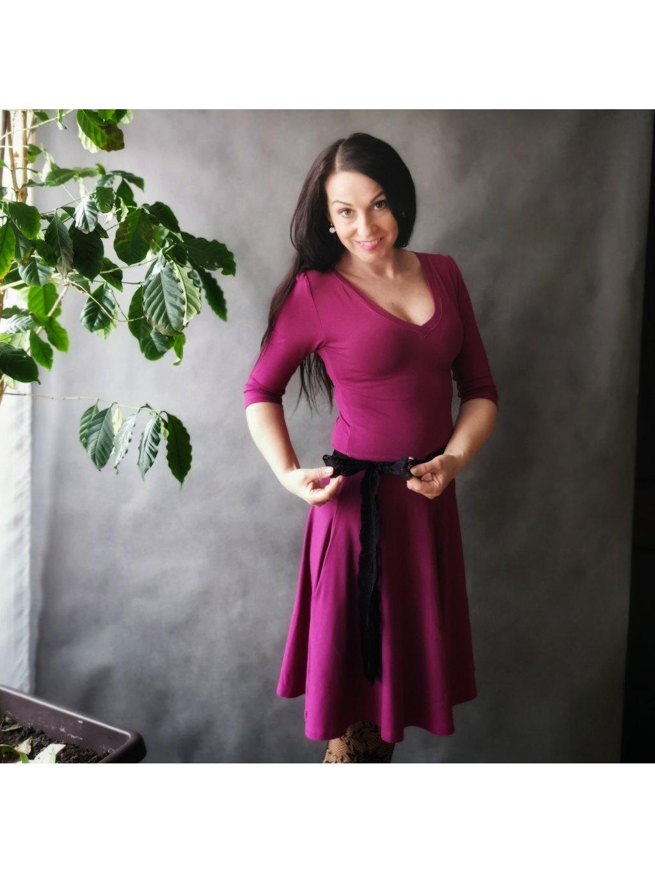 Šaty s půlkolovou sukní a kapsami Tmavě fuchsiové La Tulia (7)
