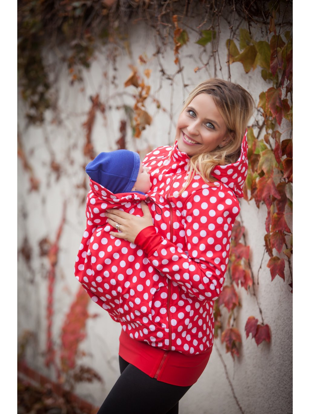 www.latulia.com babywearing jacket Polka dots on red (3)