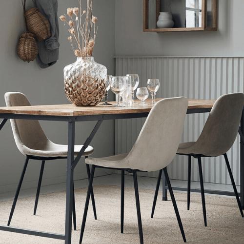 Stoličky a lavice