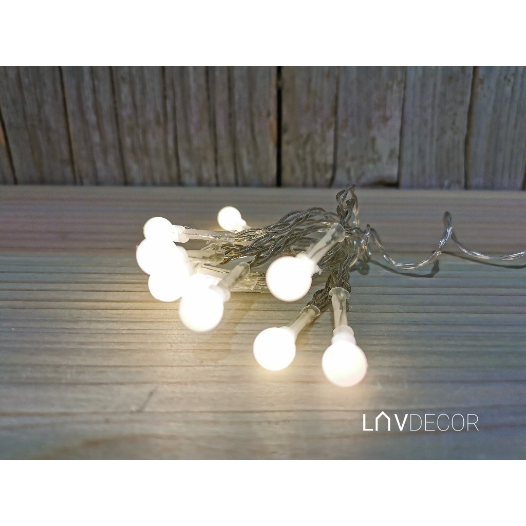 vianočné osvetlenie LED guľky tepla biela na baterky 10KS