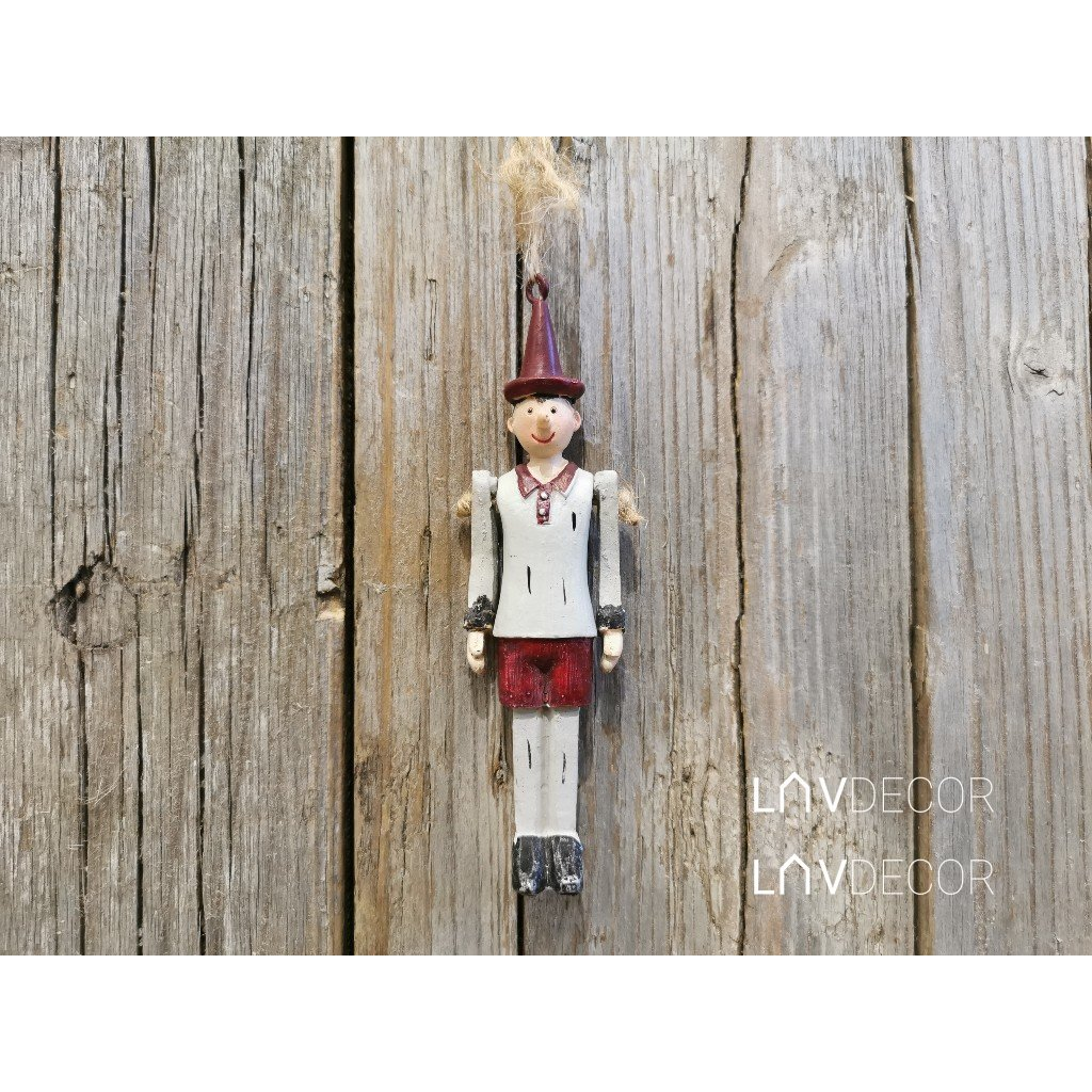 vianočná POSTAVIČKA Pinokio na zavesenie, pohyblivé ruky 3x10x2cm