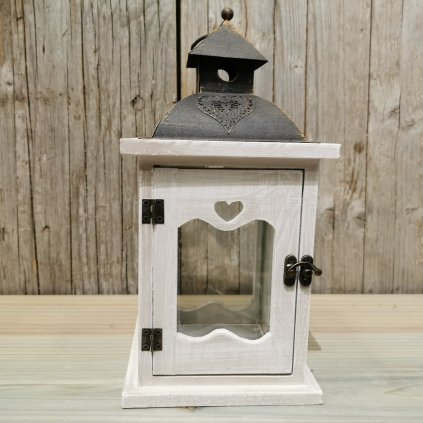 LAMPÁŠ drevený so srdiečkom KOV ANTIC biela patina 14,5X14,5X28,5cm
