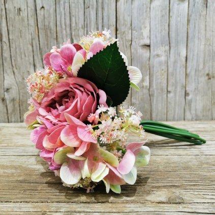 Kytica umelých kvetov, mix hortenzie a ruže.