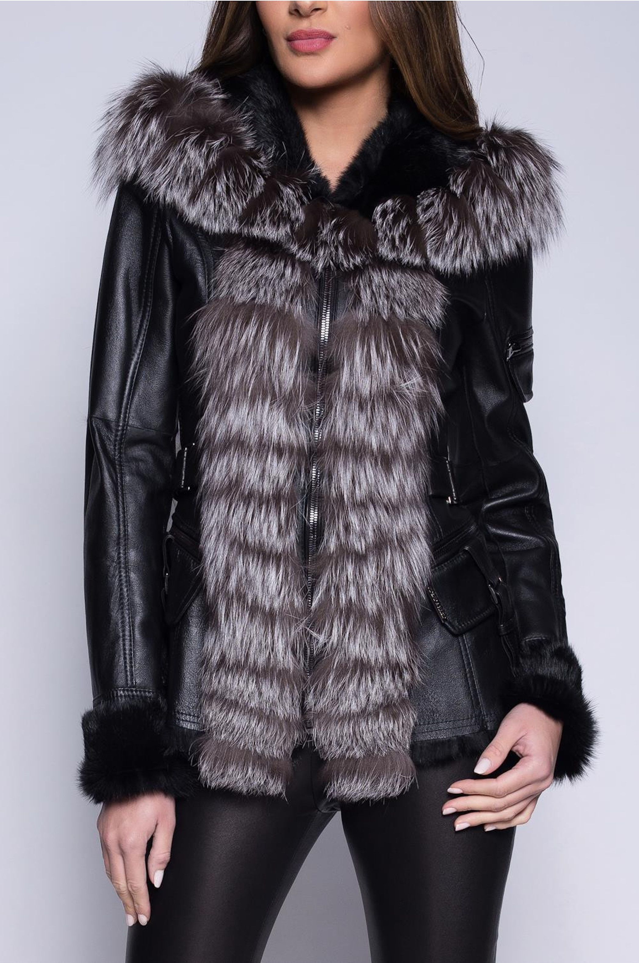 Černá kožená bunda lemovaná mývalí kožešinou
