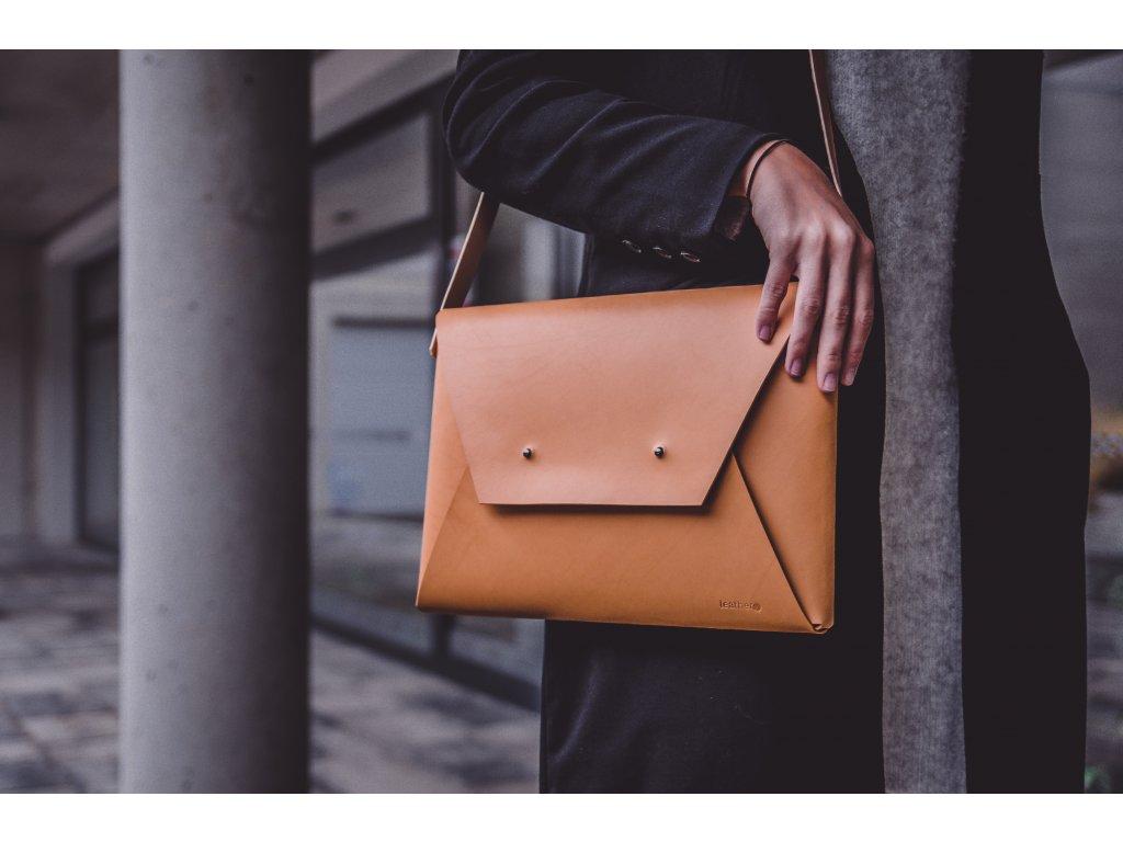 kabelka leathery