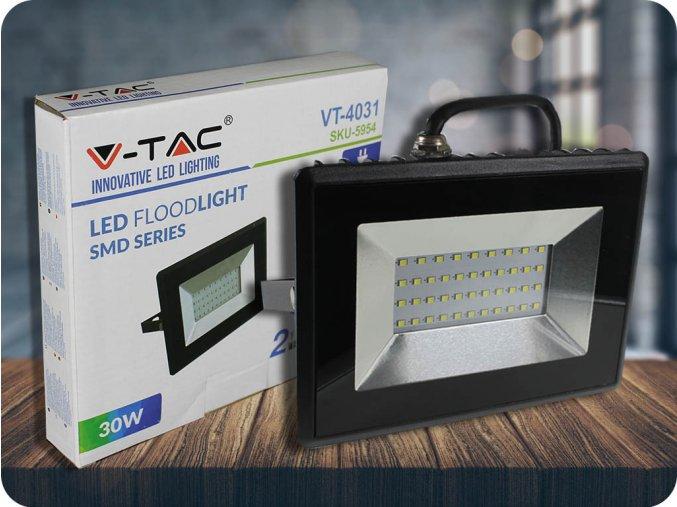 LED REFLEKTOR 30W (2550lm), ČERNÝ, IP65 (Barva světla Studená bílá      6400K)