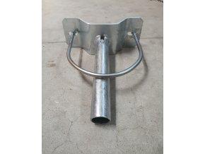 Výložník na betónový stožiar 300mm + spoj. materiál, priemer 60mm, 5°, zinkované