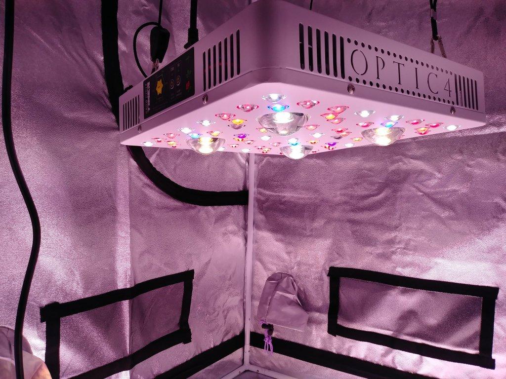 OPTIC 4 COB LED Grow Light 405W (UV/IR) 3000k & 5000k COBs