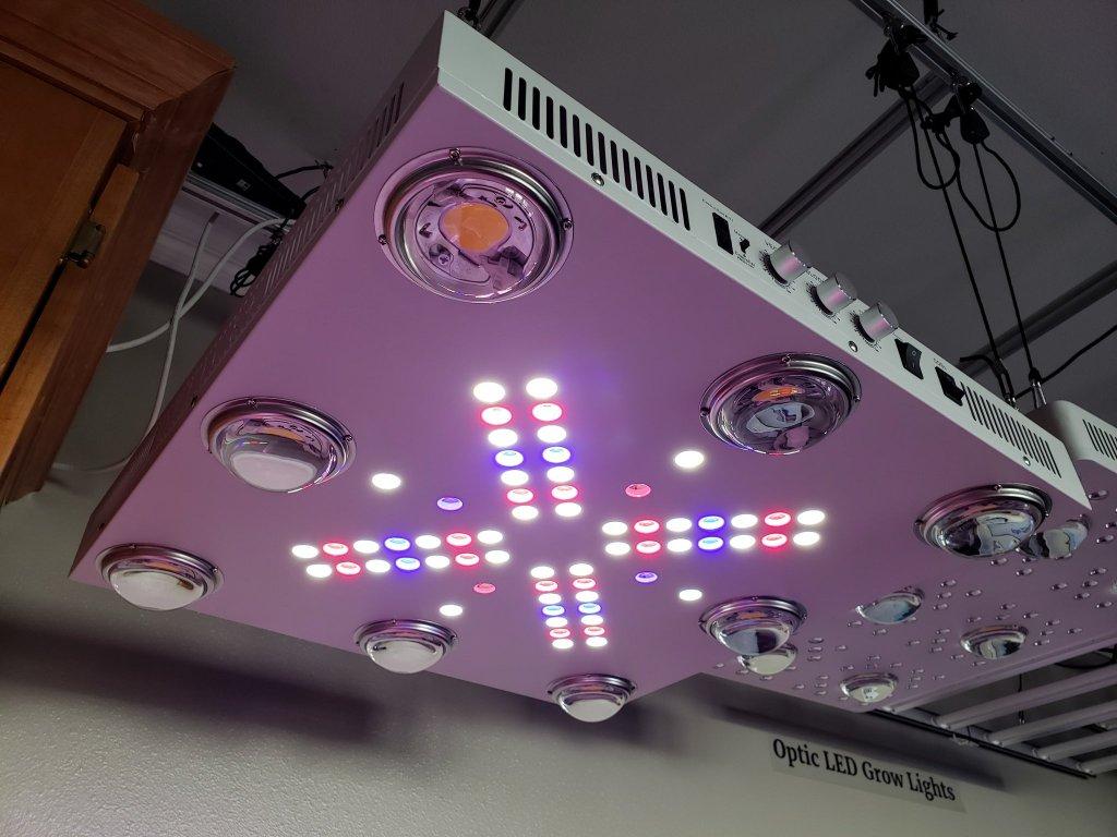 Optic 8 Cob Led Grow Light 500w Uv Ir 3500k Cobs