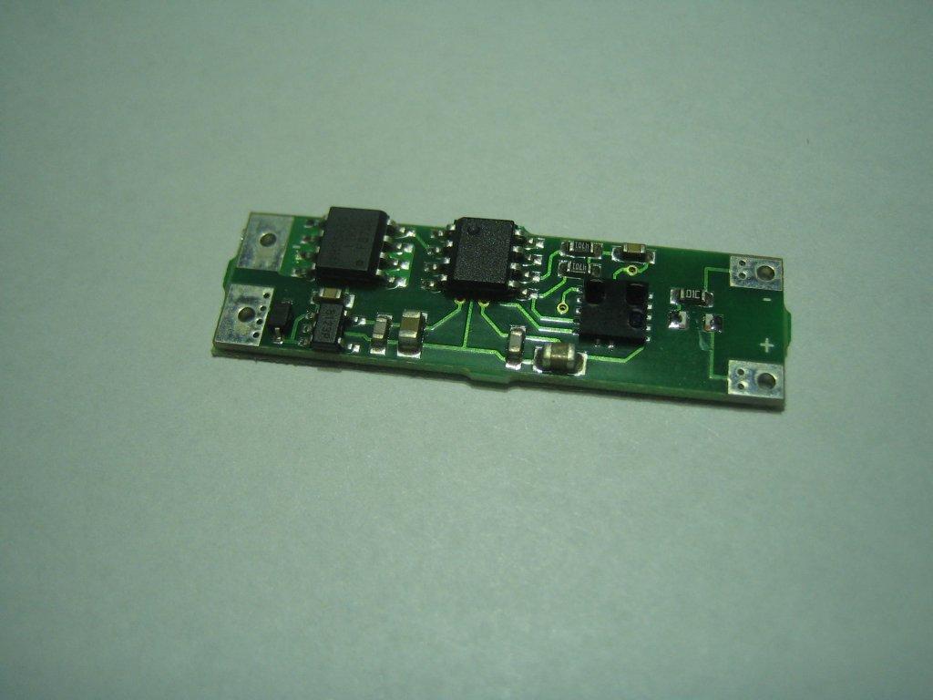 Senzorový bezdotykový vypínač pro LED pásky
