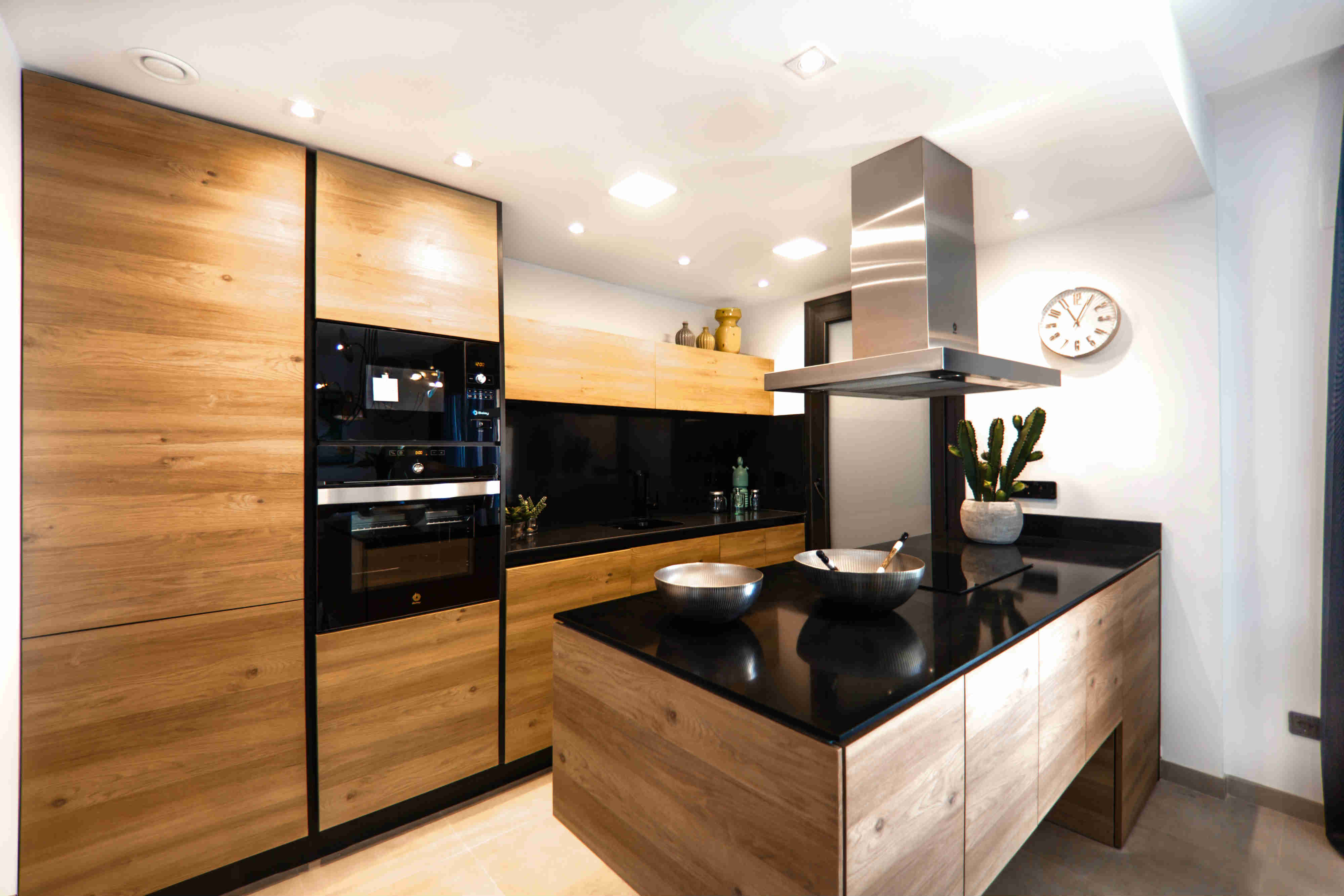 Kuchyně-LED_osvětlení_digestoř