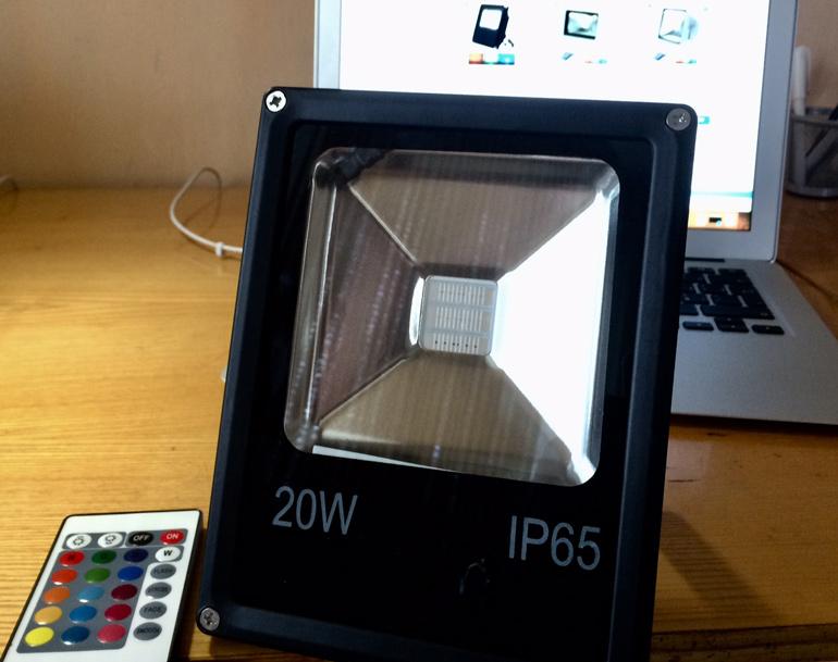 LED RGB reflektor 20W