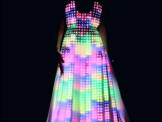 LED světelné šaty