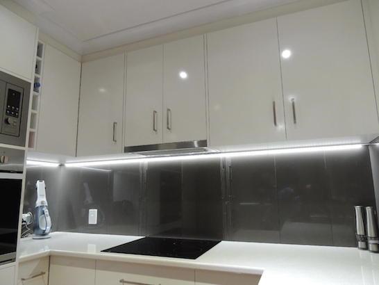 led-osvetleni-kuchynske-linky