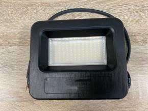 Černý LED reflektor FB 30W teplá bílá