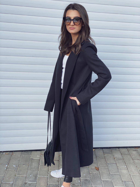 Černý kabát Andrew