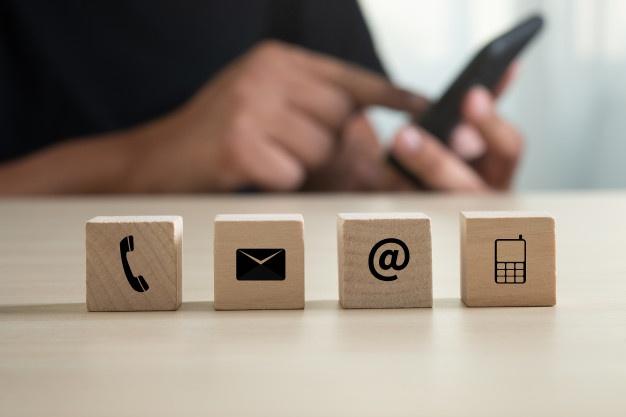 kontaktieren-sie-uns-kundensupport-hotline-mitarbeiter-connect-wenden-sie-sich-an-den-kundensupport_36325-2023
