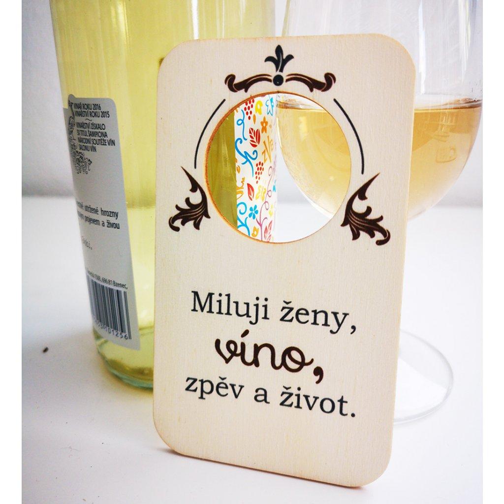 cedilka miluji zeny, vino, zpev