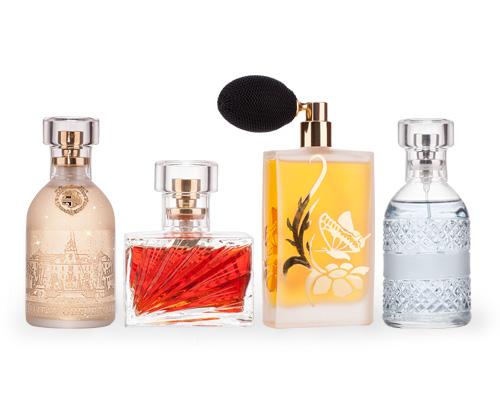 Parfém ve flakónu ruční výroby