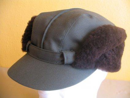 Lesnická zimní čepice tesilová s přírodní kožešinou 62
