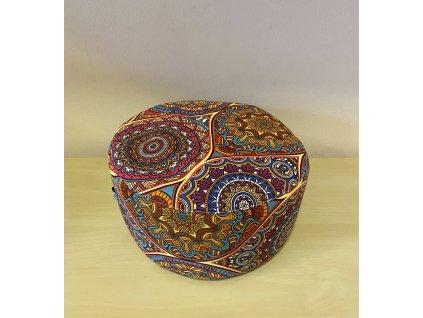 Meditační polštářek pohankový - pestrobarevný s mandalami (červený)