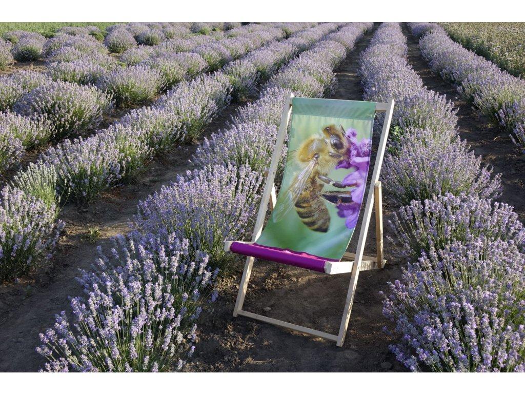 Relaxační plážové lehátko s motivem levandule a včely