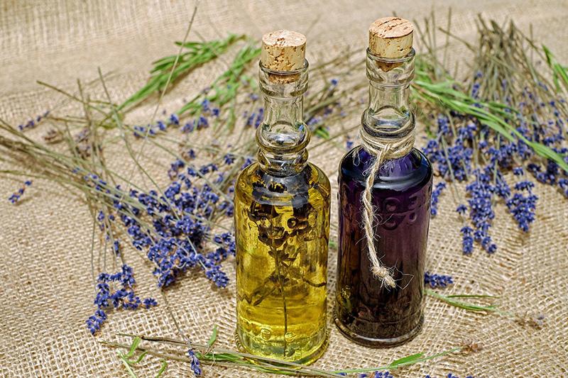 Esenciální olej z levandule při úzkosti a nespavosti, stresu, nervovém vypětí, obavách změnách ve vašem životě, traumatickém prožitku