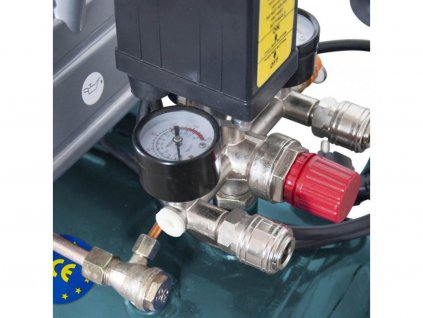 XTline XT2002 Olejový kompresor XTline 2HP1,5KW 8bar 24L expres servis a krycí plachta zdarma