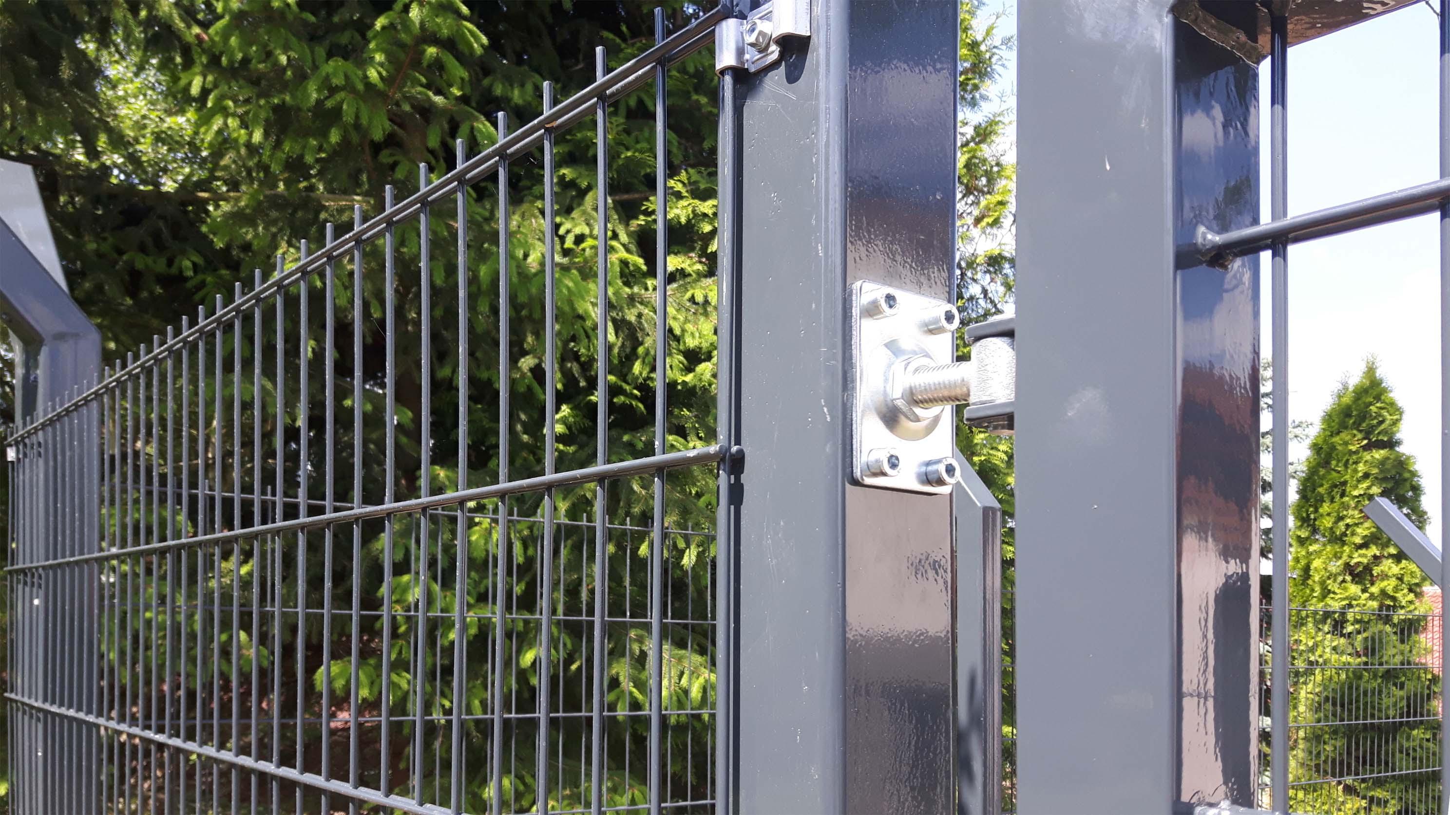 Pletiva Dobrý, atypické plotové sloupky a realizace, 2D plotové panely - antracit