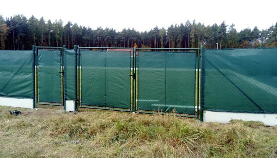 Montáž plotu Plzeň-sever - čtyřhranné poplastované pletivo
