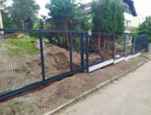 Montáž 3D antracitových plotových panelů – České Budějovice