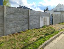 Montáž betonového plotu a posuvné brány – České Budějovice